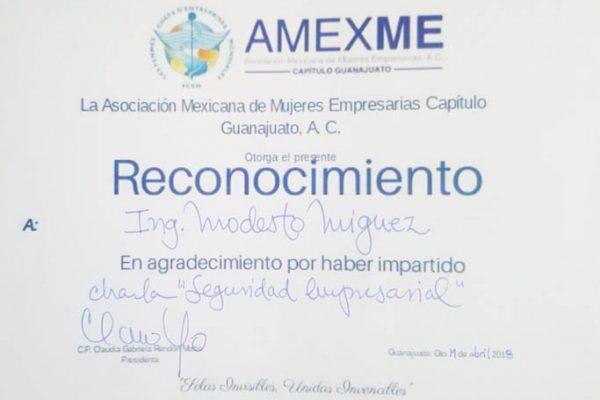 Reunión con la comisión directiva de la Asociación de mujeres Empresarias de Mexico_Guanajuato_5_diploma