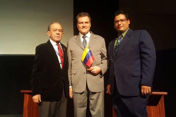 Ing. Modesto Miguez CPP junto a Valdemar Lopez. Simposio SIS Electronics Venezuela